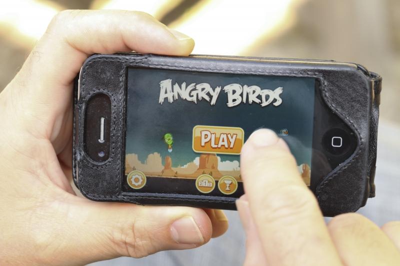 Pelaa pelejä netissä